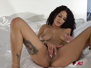 mara martinez slow and sexy solo play