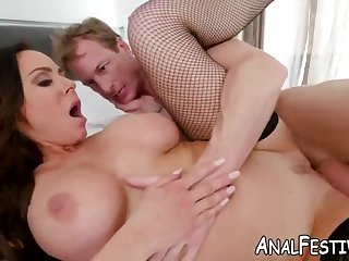 fat tushie cougar kendra lust has her wet pussy pounded