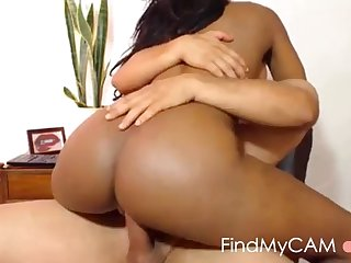 well-endowed bubblebutt ebony rides white cock online